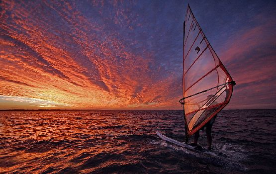 Windsurfing-damazontas-ta-kimata-ingolden.gr