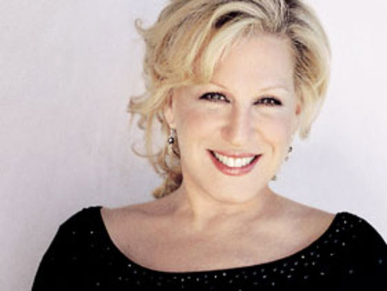 Bette-Midler-The-Divine-Miss-M-singer-ingolden.gr