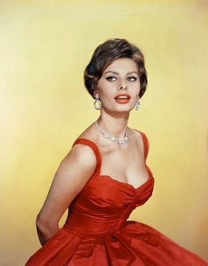 Sophia-Loren-What-a-woman-actress-style--ingolden.gr