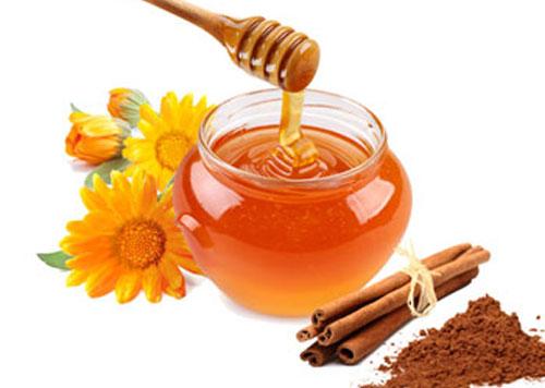 meli-kai-kanela-o-magikos-syndiasmos-ingolden.gr-honey-and-cinnamon.