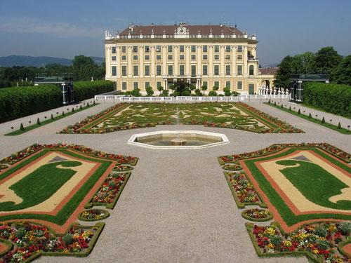 Schonbrunn-palace-Vienna-Austria-INGOLDEN.GR-DEALWAY.GR