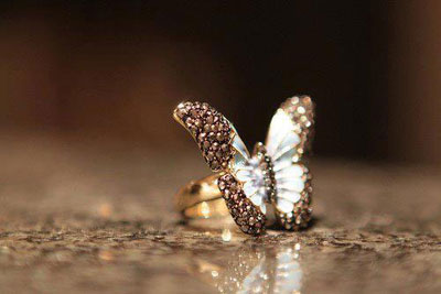 h-aksia-sou-sa-diamanti-ingolden.gr-butterfly-diamonds
