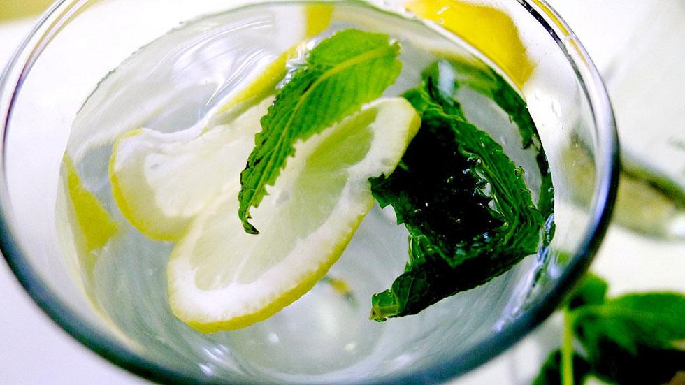 aromatismeno-nero-lemoni-ingolden.gr