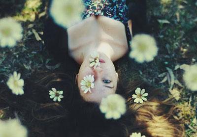 odi-poihma-ponos-xorismos-ingolden.gr.jpg-girl-sun-flowers