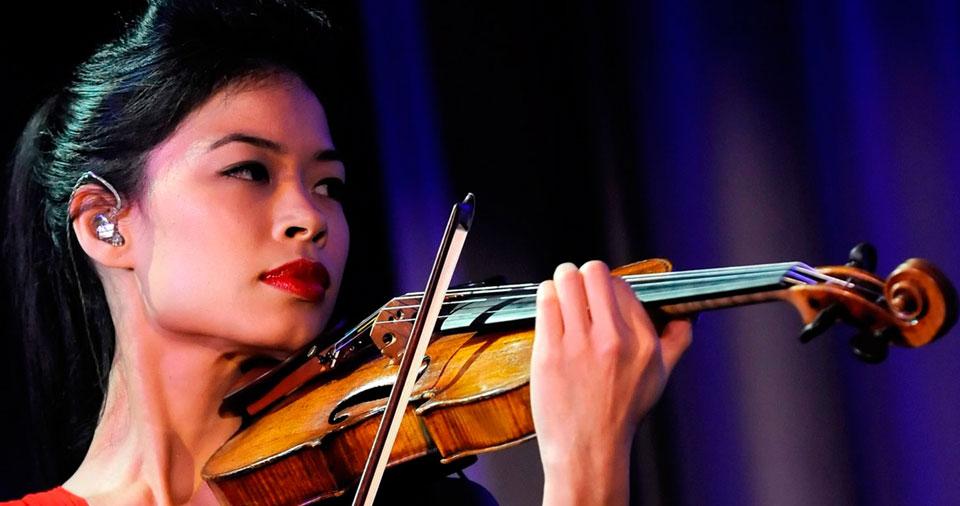 nessa-Mae-i-xrysi-violonista-inGolden.gr.blog