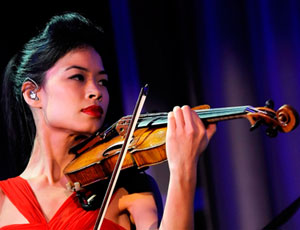 vanessa-Mae-i-xrysi-violonista-inGolden.gr