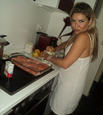 Sasha-Charara-notebook-ingolden.gr-cooking