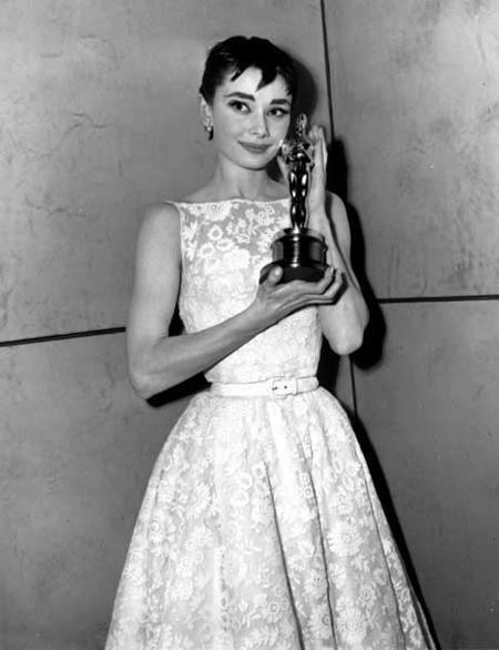 Audrey Hepburn || 1954 Givenchy