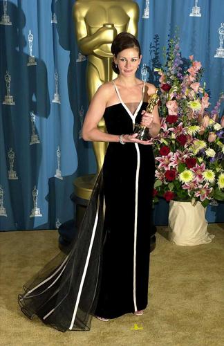 Julia Roberts || 2001 Valentino