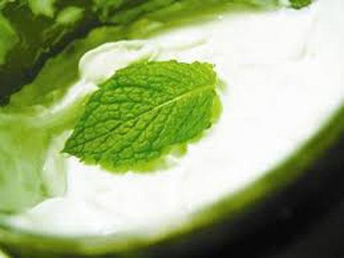 sisfiktiko-galaktoma-somatos-me-menta-body-cream-ingolden.gr