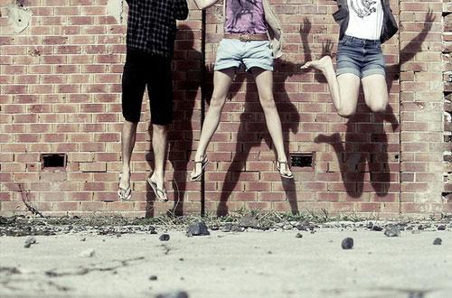 vres-tous-dikous-sou-ingolden.gr-friends-jump