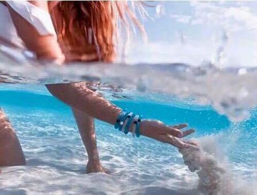 o-kathenas-ingolden.gr-sea-woman-water-blue-beautiful