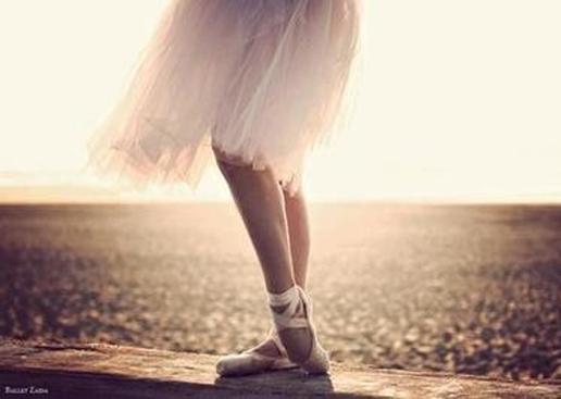 ta-pragmata-ingoldeen-gr-ballet-ballarina-sea-sun