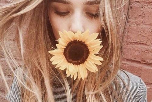 mila-mono-mia-ingolden-gr-woman-girl-flower-quotes500
