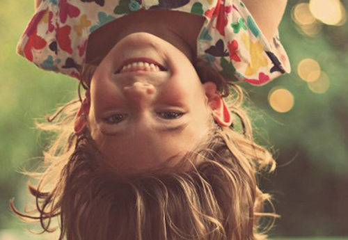 oli-i-zoi-ypothesis-xamogelo-girl-lagh-ingolden-gr-colors-sun-summer