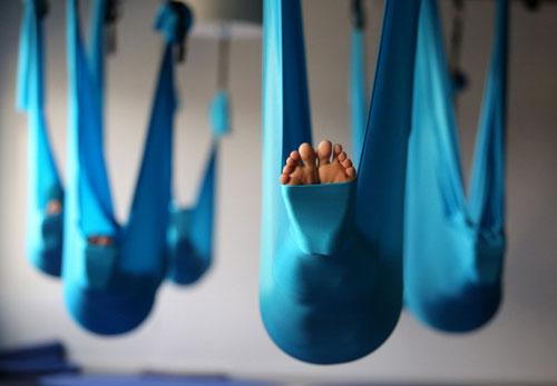 aerial-yoga-aisthsh-eleytherias1-ingolden-gr