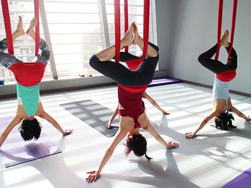 aerial-yoga-aisthsh-eleytherias3-ingolden-gr