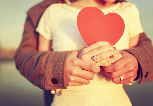 agapi-kai-dynami-pane-mazi-ingolden-gr-couple-heart