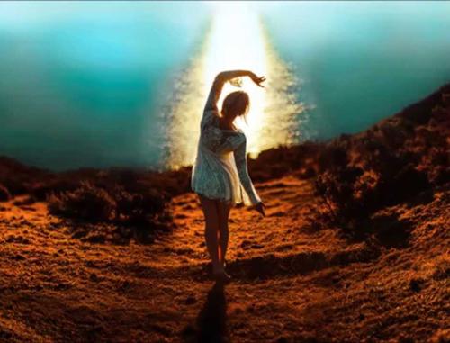 pisti-simainei-ingolden.gr-quotes-woman-sunrise-sea-500