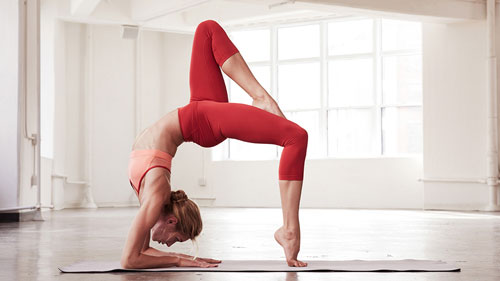 den-mporv-shmera-exv-yoga2-ingolden.gr