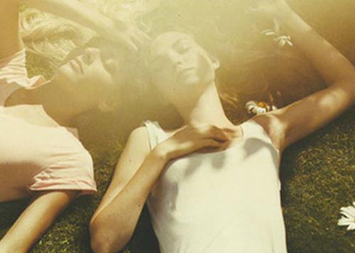mia-ekpliktiki-zoi-ingolden.grgirls-summer-spring