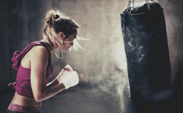 oi-pragmatikoi-maxites-ingolden.gr-woman-fight-life